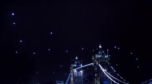 Klicken Sie auf die Grafik für eine größere Ansicht  Name:quadrocopter-london-earth-hour-star-trek-595x331.png Hits:11 Größe:141,6 KB ID:2828
