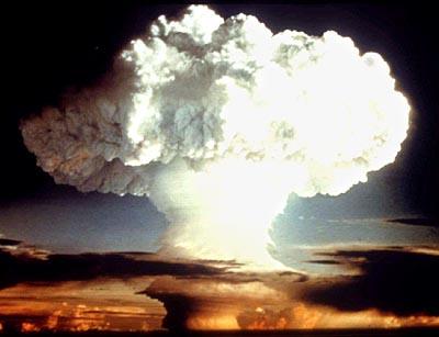 Klicken Sie auf die Grafik für eine größere Ansicht  Name:Atompilz.jpg Hits:17 Größe:20,3 KB ID:1554